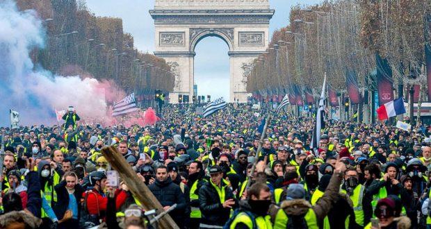 """Résultat de recherche d'images pour """"revolution des gilets jaunes"""""""